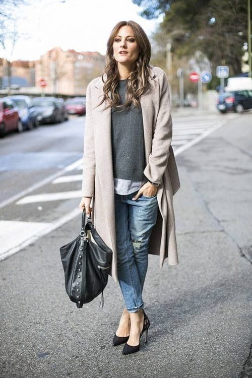 Boyfriend Heels Jeans Pair And Light Oversized Translate Effortlessness Strappy A Style Go Wash For With To Outfit Coat The Statement White XH6BRw